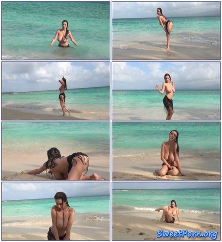 Busty Girl – Busty Beach