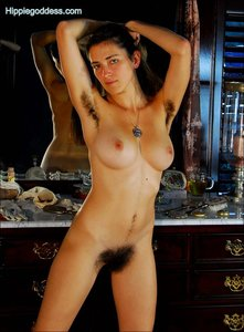 moms nude in action