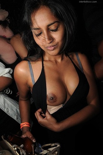 indian girl tits show